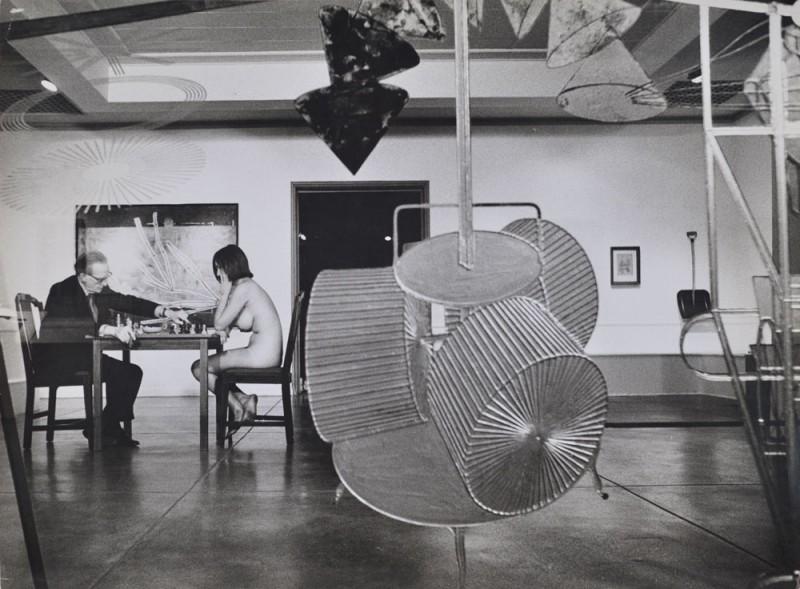Eve Babitz e Marcel Duchamp, Pasadena, 1963